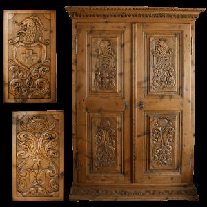 Armoire sculptée à 2 portes