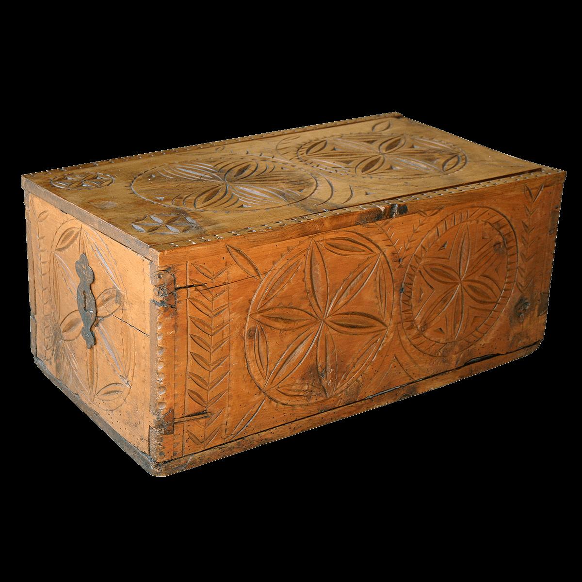 Rare boite sculptée