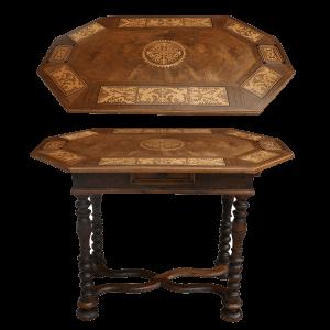 Petite table Louis XIII au dessus marqueté